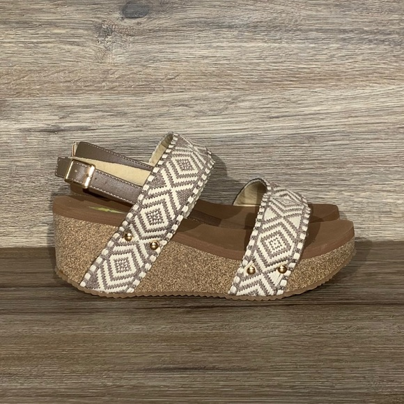 NEW Volatile Loveloop Banded Taupe Wedge Sandals